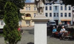 Renowacja rzeźby św. Nepomucena